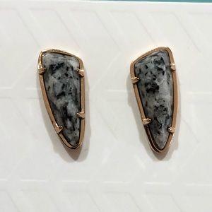 Kendra Scott Everett Stud Earrings In Gray Granite